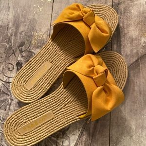 New Bamboo brand mustard espadrille with bow